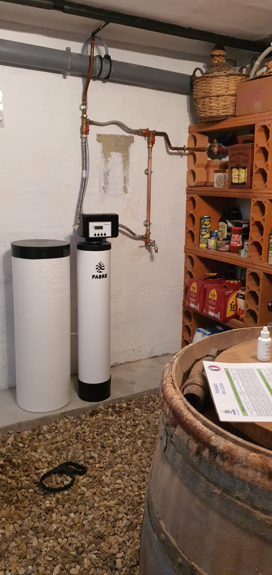 Remplacement de filtres polyphosphates par un adoucisseur d'eau dans une cave au Mans (72)