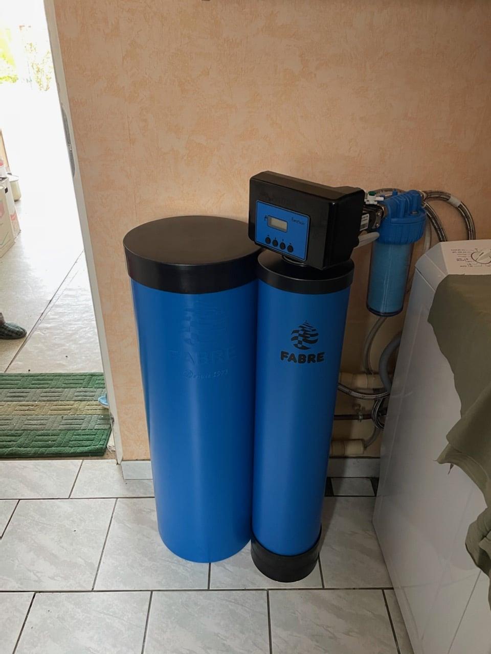 Installation d'un adoucisseur d'eau dans une buanderie à Logron (28)