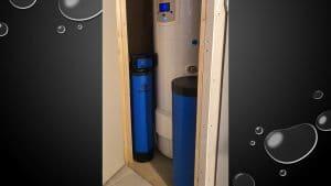 Installation d'un adoucisseur Purotech dans un placard à Fatines (72) - Adoucisseur d'eau pour particuliers